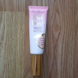 Too Faced Peach Perfect Foundation - Porcelain